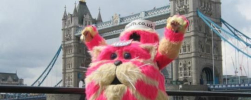 Bagpuss mascot by Tower Bridge | LLHM