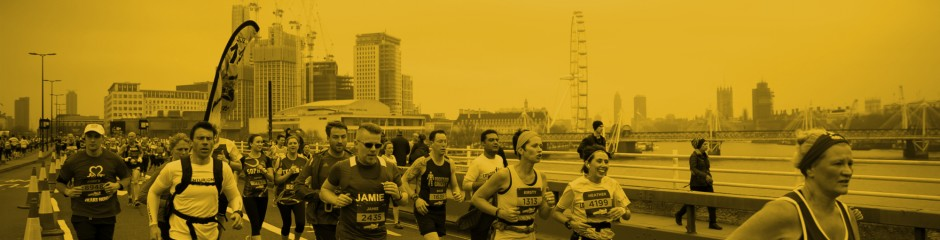 Runners across Waterloo Bridge